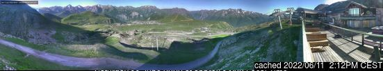 Alpe d'Huez webcam at lunchtime today