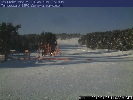 Font Romeu webcam at lunchtime today