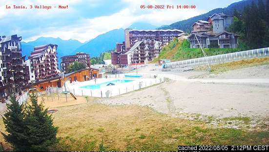 La Tania webcam at lunchtime today