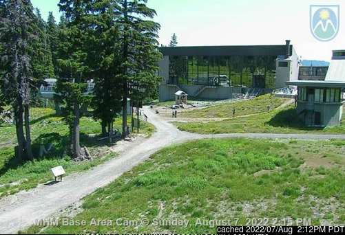 dün saat 14:00'te Mt Hood Meadows'deki webcam