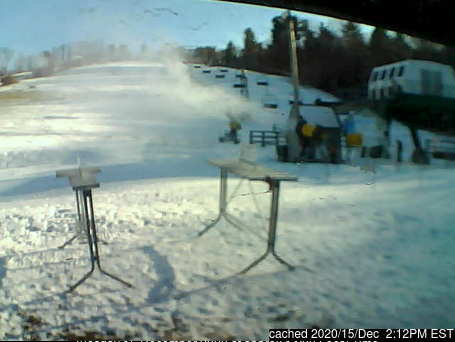 dün saat 14:00'te Ski Ward Ski Area'deki webcam