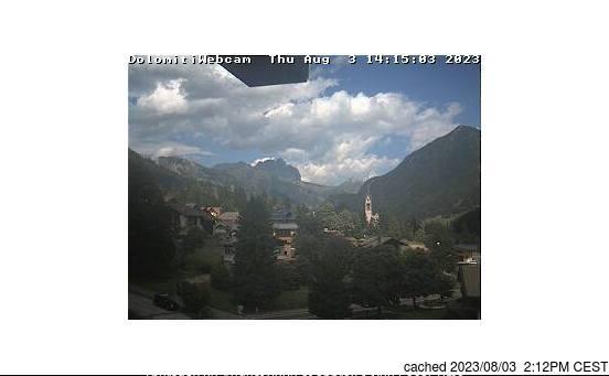 Vigo di Fassa webbkamera vid kl 14.00 igår